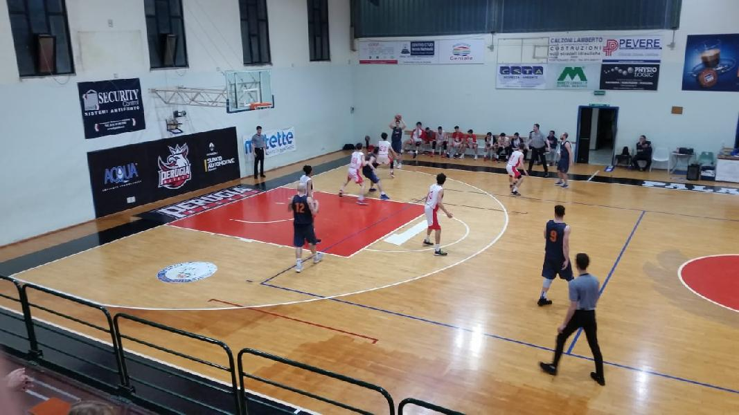 https://www.basketmarche.it/immagini_articoli/09-05-2019/regionale-umbria-playoff-gara-basket-spello-sioux-prima-finalista-600.jpg