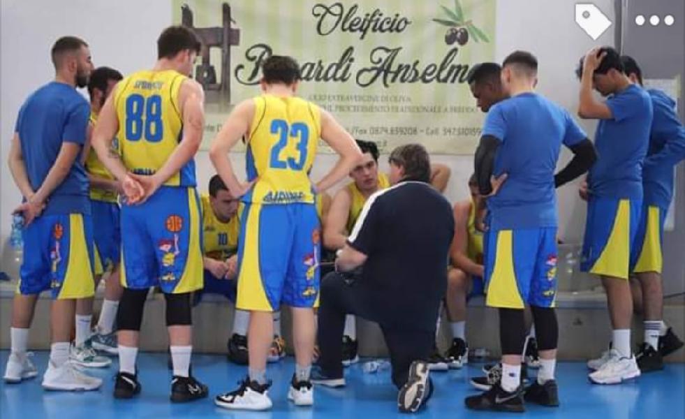 https://www.basketmarche.it/immagini_articoli/09-05-2021/airino-basket-termoli-cerca-riscatto-virtus-montesilvano-600.jpg