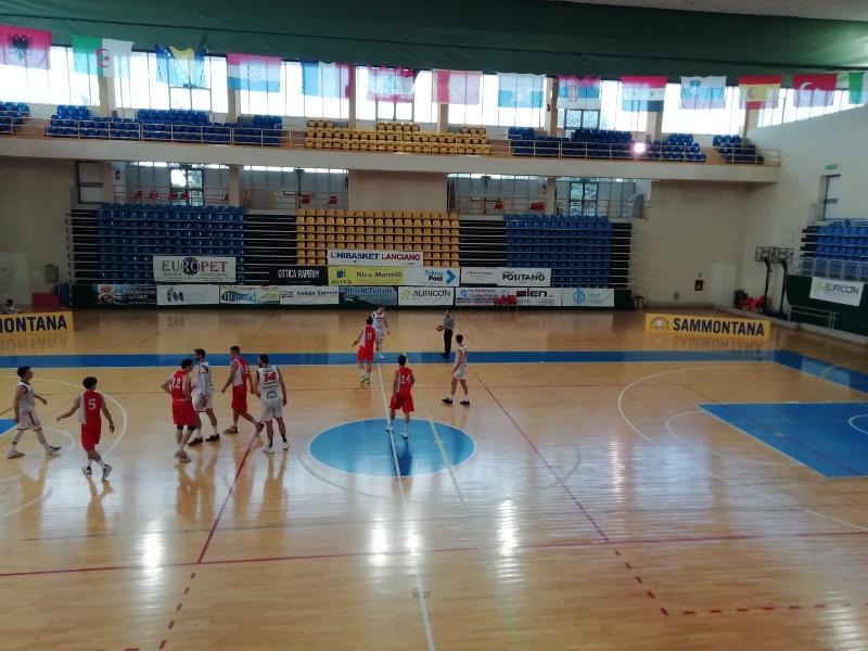 https://www.basketmarche.it/immagini_articoli/09-05-2021/vigor-matelica-passa-campo-unibasket-lanciano-consolida-posto-600.jpg
