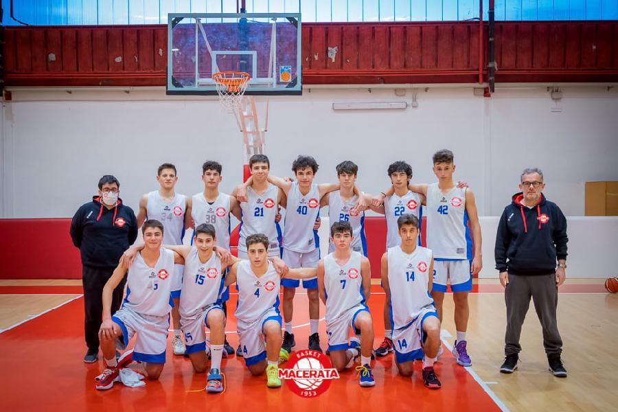 https://www.basketmarche.it/immagini_articoli/09-06-2021/silver-basket-macerata-espugna-campo-ponte-morrovalle-600.jpg