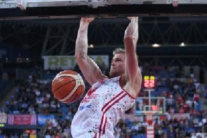 https://www.basketmarche.it/immagini_articoli/09-07-2018/serie-a-ufficiale-l-ex-vuelle-pesaro-erik-mika-è-un-giocatore-della-leonessa-basket-brescia-270.jpg