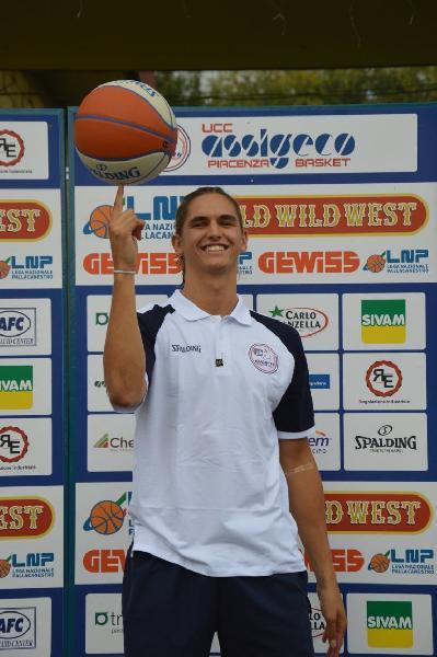 https://www.basketmarche.it/immagini_articoli/09-07-2021/pallacanestro-trapani-cambio-play-valuta-profilo-federico-massone-600.jpg