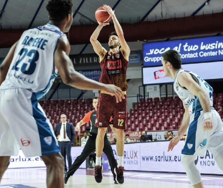 https://www.basketmarche.it/immagini_articoli/09-07-2021/pallacanestro-trieste-perfettamente-riuscito-intervento-chirurgico-luca-campogrande-600.jpg