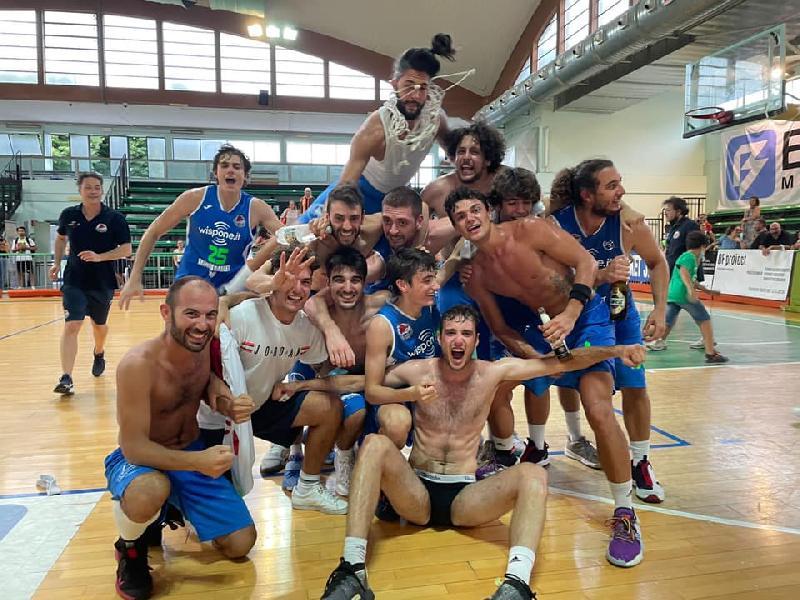 https://www.basketmarche.it/immagini_articoli/09-07-2021/wispone-taurus-jesi-ancora-festa-gold-coach-filippetti-societ-merita-questo-risultato-600.jpg