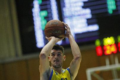 https://www.basketmarche.it/immagini_articoli/09-08-2018/serie-c-gold-il-bulgaro-angel-peychinov-è-nuovo-giocatore-della-valdiceppo-basket-270.jpg