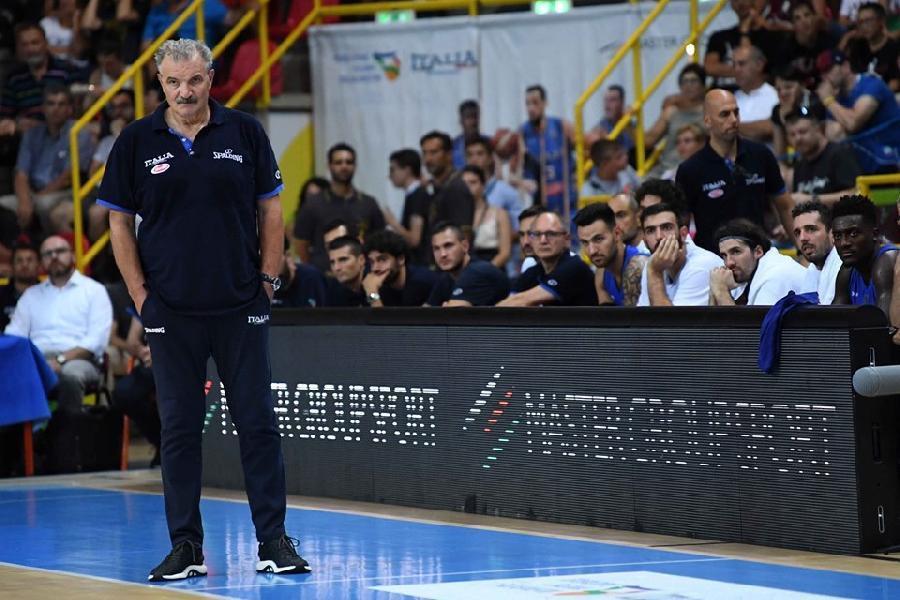 https://www.basketmarche.it/immagini_articoli/09-08-2019/italbasket-coach-sacchetti-perdere-male-tratto-spenta-luce-600.jpg