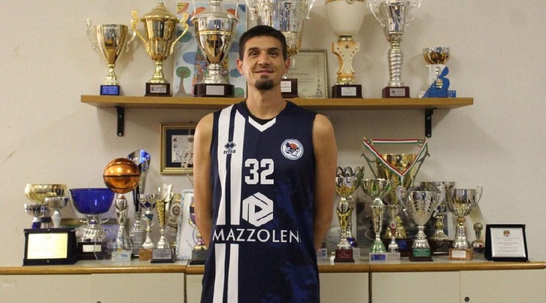 https://www.basketmarche.it/immagini_articoli/09-08-2020/ufficiale-nicolas-pairone-lascia-pallacanestro-pedaso-basket-team-1995-pizzighettone-600.jpg