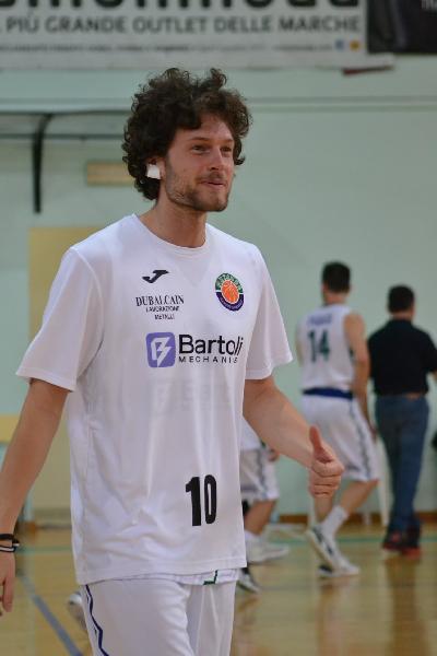 https://www.basketmarche.it/immagini_articoli/09-08-2021/metauro-basket-academy-saluta-ringrazia-william-clementi-600.jpg