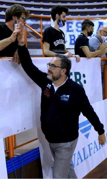 https://www.basketmarche.it/immagini_articoli/09-08-2021/pescara-basket-presidente-censo-ripartiamo-coach-vanoncini-vogliamo-continuare-fare-bene-600.jpg