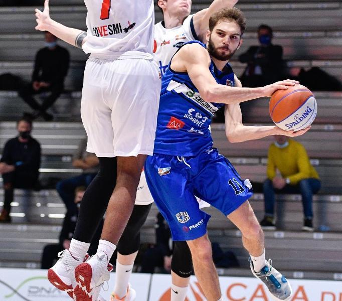 https://www.basketmarche.it/immagini_articoli/09-08-2021/ufficiale-virtus-civitanova-firma-giovane-play-francesco-guerra-600.jpg