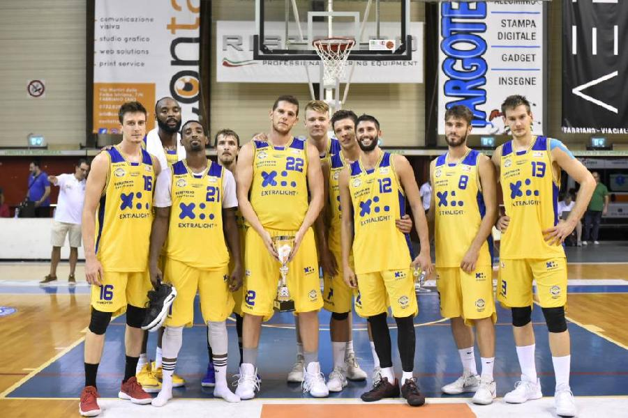 https://www.basketmarche.it/immagini_articoli/09-09-2018/serie-poderosa-montegranaro-sconfitta-vuelle-pesaro-coach-pancotto-comunque-soddisfatto-600.jpg