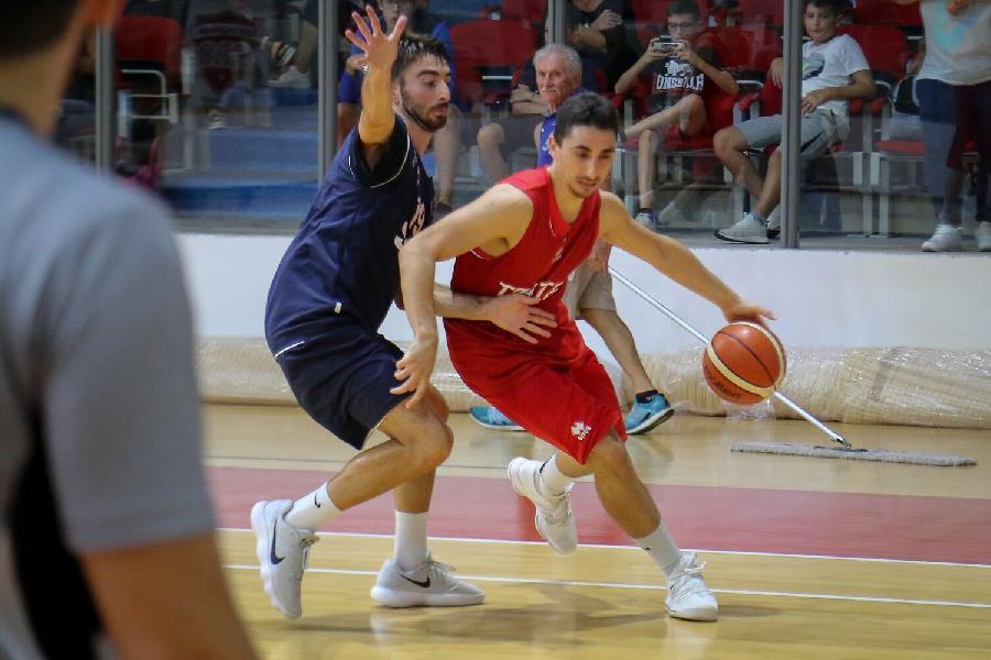 https://www.basketmarche.it/immagini_articoli/09-09-2018/sunrise-sport-erre-pallacanestro-palestrina-domina-tigers-cesena-vince-torneo-terza-chieti-600.jpg