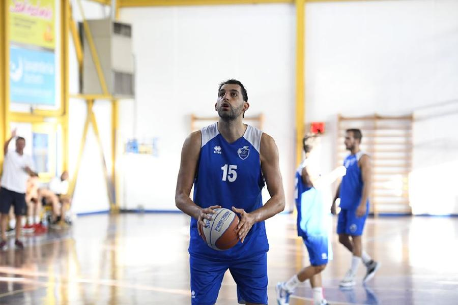https://www.basketmarche.it/immagini_articoli/09-09-2019/janus-fabriano-supera-giulianova-basket-trascinata-ottimo-garri-600.jpg
