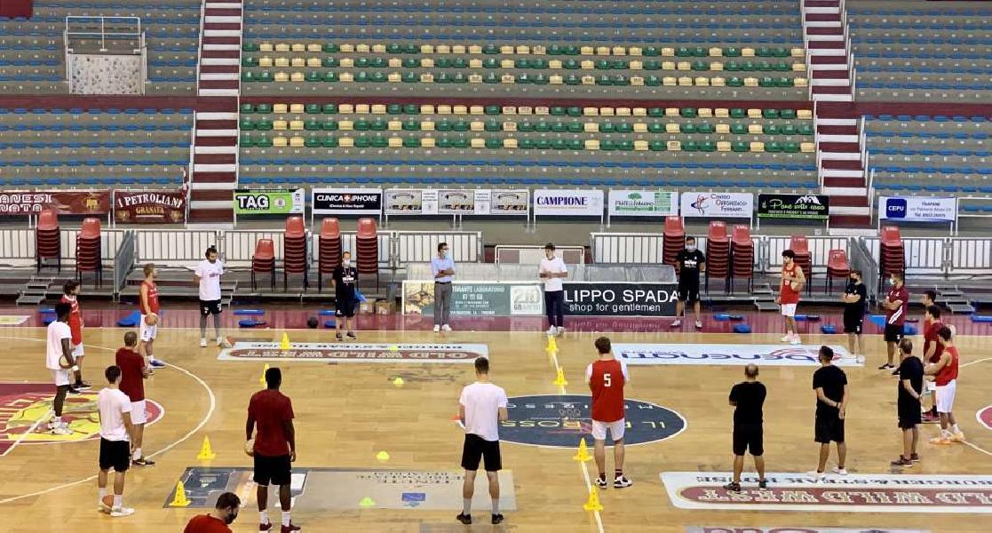 https://www.basketmarche.it/immagini_articoli/09-09-2020/pallacanestro-trapani-lavoro-parole-nicol-basciano-coach-parente-600.jpg