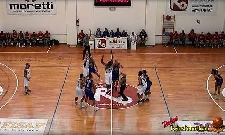 https://www.basketmarche.it/immagini_articoli/09-10-2017/serie-b-nazionale-sfortunata-prova-della-virtus-civitanova-contro-bisceglie-270.jpg