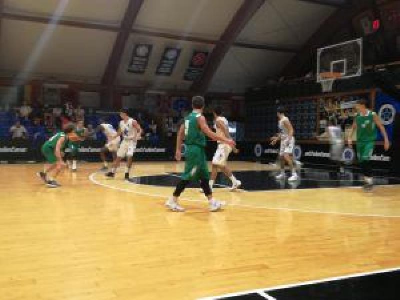 https://www.basketmarche.it/immagini_articoli/09-10-2018/sfortunato-esordio-stamura-ancona-campo-stella-azzurra-roma-600.jpg