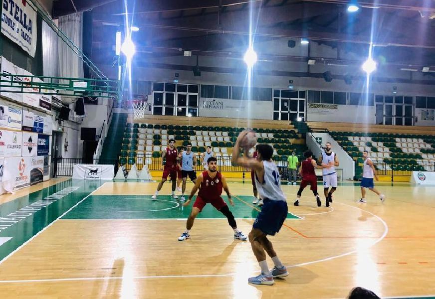 https://www.basketmarche.it/immagini_articoli/09-10-2020/buon-porto-sant-elpidio-basket-superato-sambenedettese-basket-amichevole-600.jpg