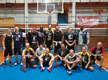 https://www.basketmarche.it/immagini_articoli/09-11-2017/prima-divisione-b-la-dinamis-falconara-espugna-il-campo-del-new-basket-jesi-270.jpg