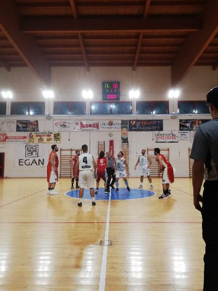 https://www.basketmarche.it/immagini_articoli/09-11-2018/regionale-live-girone-anticipi-quinta-giornata-tempo-reale-600.jpg