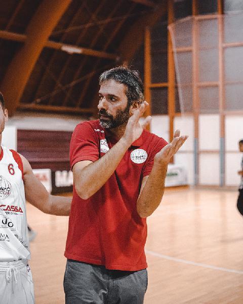 https://www.basketmarche.it/immagini_articoli/09-11-2018/teramo-spicchi-coach-stirpe-dobbiamo-assolutamente-sottovalutare-chieti-600.jpg