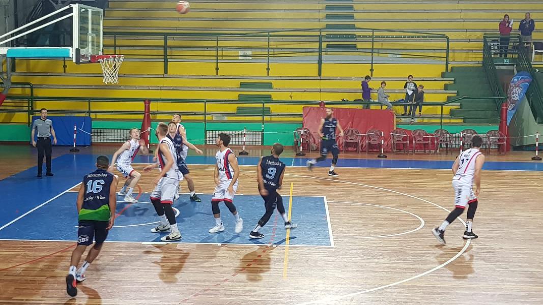https://www.basketmarche.it/immagini_articoli/09-11-2019/lucky-wind-foligno-passa-campo-sambenedettese-basket-conferma-capolista-600.jpg
