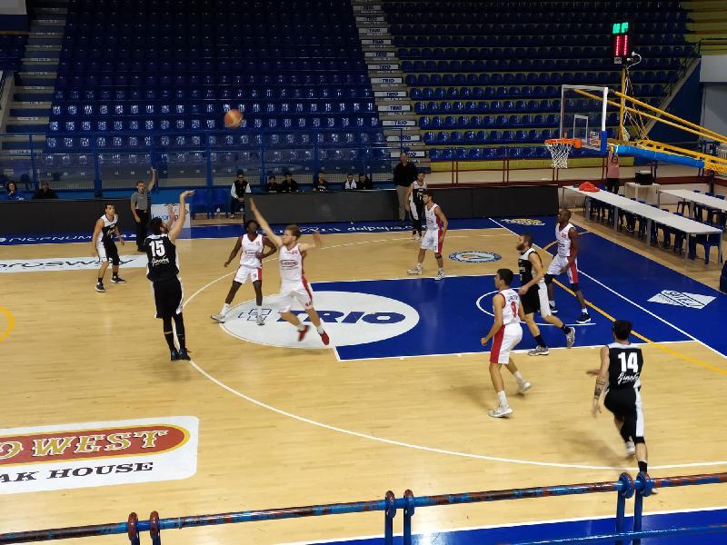 https://www.basketmarche.it/immagini_articoli/09-11-2019/pallacanestro-acqualagna-passa-campo-chem-virtus-porto-giorgio-ottimo-puleo-600.jpg