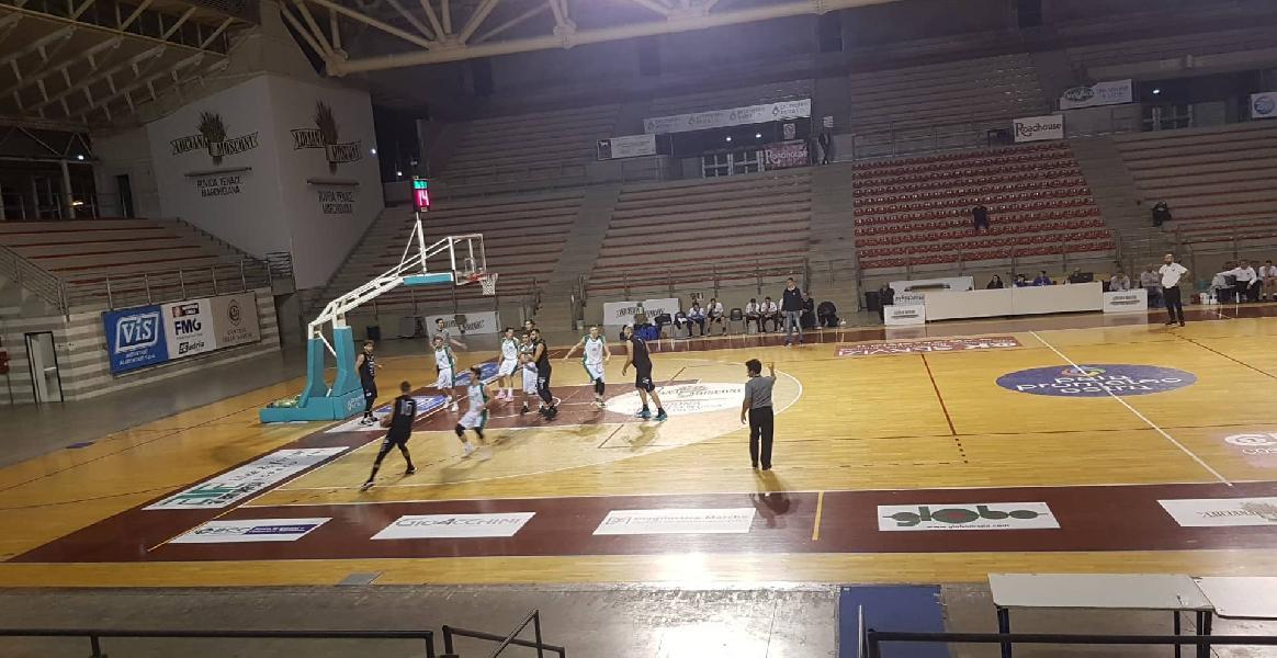 https://www.basketmarche.it/immagini_articoli/09-11-2019/stamura-ancona-ferma-corsa-basket-todi-ottimo-tempo-super-cognigni-600.jpg