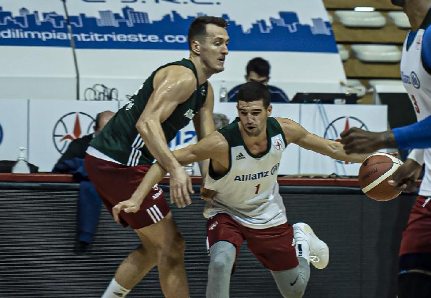 https://www.basketmarche.it/immagini_articoli/09-11-2020/ufficiale-pallacanestro-trieste-saluta-jakob-cebaek-federico-mussini-600.jpg