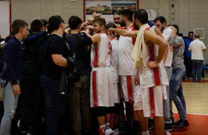 https://www.basketmarche.it/immagini_articoli/09-12-2017/d-regionale-il-basket-maceratese-supera-in-rimonta-il-montemarciano-basket-270.png