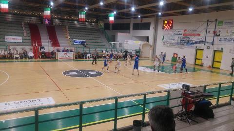 https://www.basketmarche.it/immagini_articoli/09-12-2017/d-regionale-l-aesis-jesi-torna-subito-a-correre-con-la-vittoria-di-montecchio-270.jpg