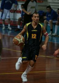 https://www.basketmarche.it/immagini_articoli/09-12-2017/promozione-a-i-protagonisti-del-campionato-intervista-a-marcello-alberto-vuelle-pesaro-b-270.jpg