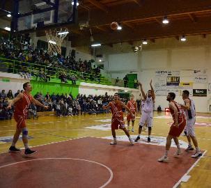 https://www.basketmarche.it/immagini_articoli/09-12-2017/serie-b-nazionale-l-imbattuta-san-severo-ospita-la-virtus-civitanova-270.jpg