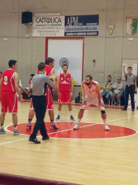 https://www.basketmarche.it/immagini_articoli/09-12-2018/basket-maceratese-vince-derby-amatori-severini-continua-correre-600.jpg