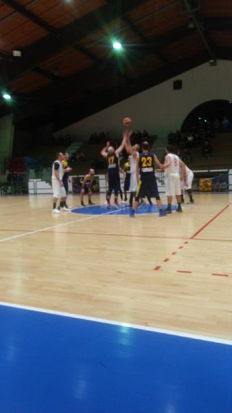 https://www.basketmarche.it/immagini_articoli/09-12-2018/regionale-live-girone-gare-domenica-decima-giornata-tempo-reale-600.jpg