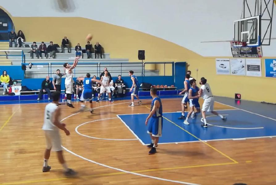 https://www.basketmarche.it/immagini_articoli/09-12-2018/virtus-terni-ferma-corsa-pallacanestro-ellera-600.jpg