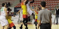 https://www.basketmarche.it/immagini_articoli/09-12-2019/palarossini-rimane-campetto-ancona-giulianova-basket-spunta-finale-120.jpg