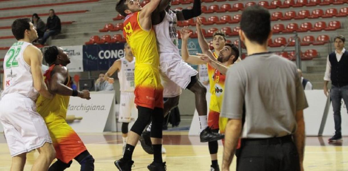 https://www.basketmarche.it/immagini_articoli/09-12-2019/palarossini-rimane-campetto-ancona-giulianova-basket-spunta-finale-600.jpg