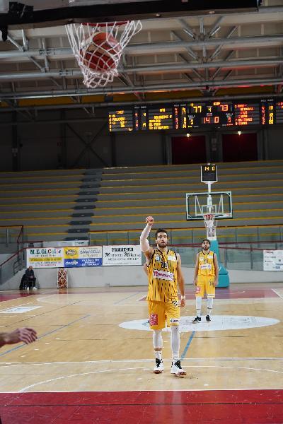 https://www.basketmarche.it/immagini_articoli/09-12-2019/pallacanestro-recanati-gianmarco-armento-questa-vittoria-vale-doppio-stata-iniezione-fiducia-600.jpg