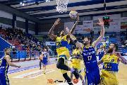 https://www.basketmarche.it/immagini_articoli/09-12-2019/poserosa-montegranaro-rimonta-sfiora-vittoria-palasavelli-esulta-tezenis-verona-120.jpg