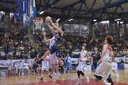 https://www.basketmarche.it/immagini_articoli/09-12-2019/rimini-quarta-sconfitta-consecutiva-peggiore-sutor-montegranaro-stagione-120.jpg