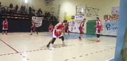 https://www.basketmarche.it/immagini_articoli/09-12-2019/tanti-rimpianti-sericap-cannara-trasferta-campo-basket-contigliano-120.jpg
