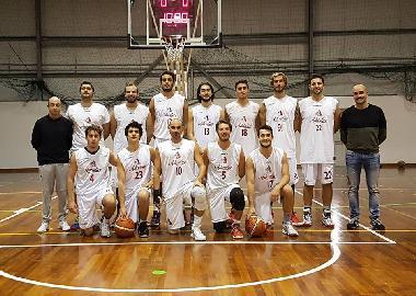 https://www.basketmarche.it/immagini_articoli/10-01-2018/promozione-c-l-adriatico-ancona-espugna-il-campo-del-cus-camerino-270.jpg
