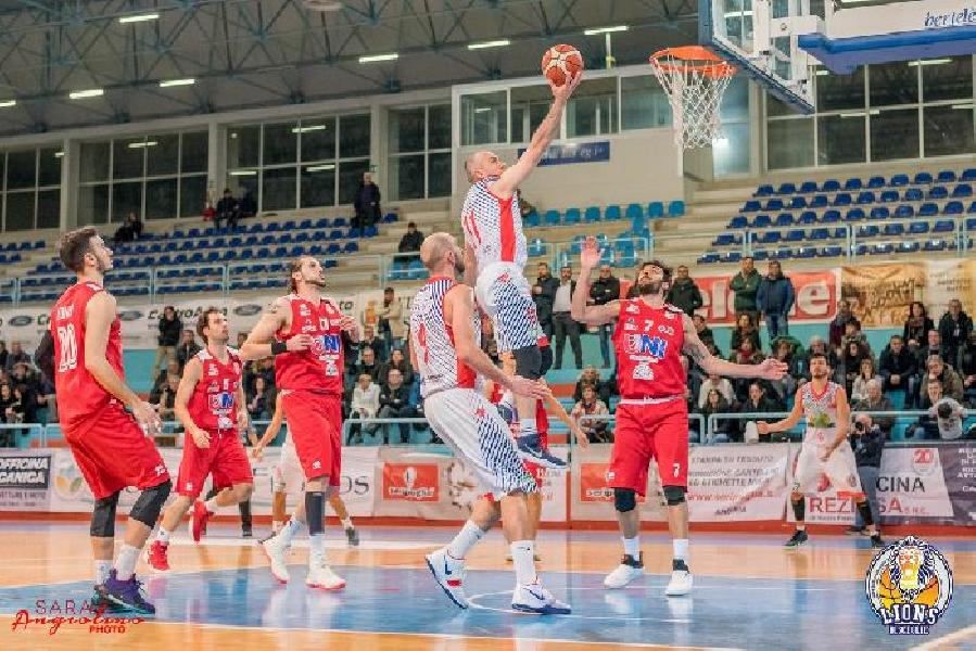 https://www.basketmarche.it/immagini_articoli/10-01-2019/serie-allenatori-girone-danno-voti-campionato-sorprese-certezze-delusioni-600.jpg