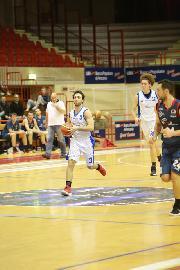 https://www.basketmarche.it/immagini_articoli/10-02-2018/d-regionale-gare-del-venerdì-fermignano-passa-a-jesi-bene-gli-88ers-civitanova-270.jpg