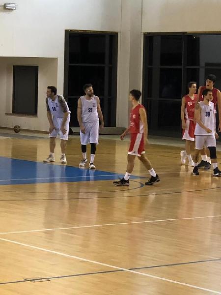 https://www.basketmarche.it/immagini_articoli/10-02-2019/bella-vittoria-basket-passignano-uisp-palazzetto-perugia-600.jpg
