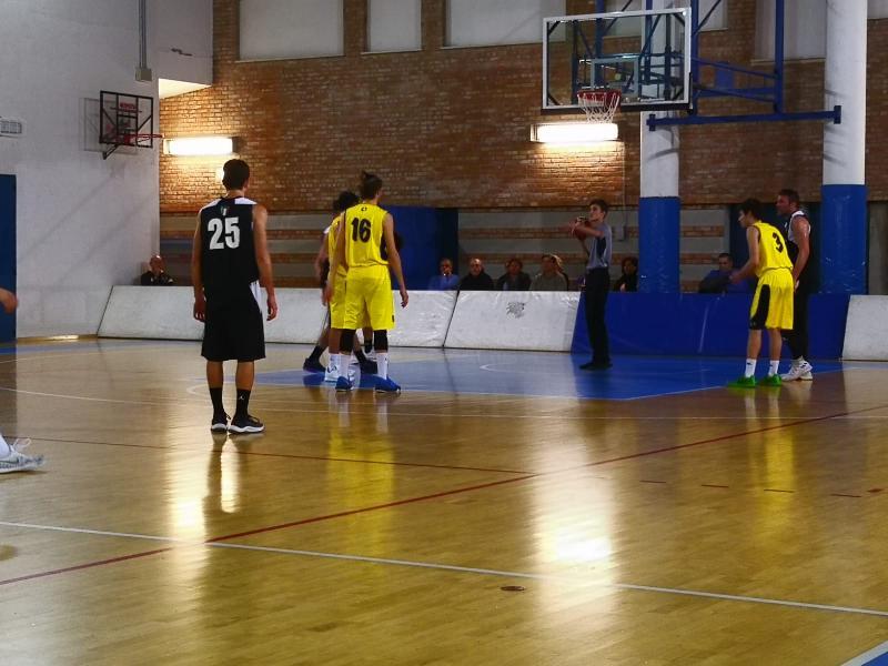 https://www.basketmarche.it/immagini_articoli/10-02-2019/convincente-vittoria-castelfidardo-pallacanestro-senigallia-600.jpg