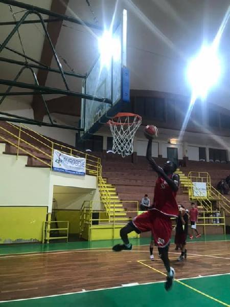 https://www.basketmarche.it/immagini_articoli/10-02-2019/episodio-razzismo-scuote-pallacanestro-giovanile-600.jpg