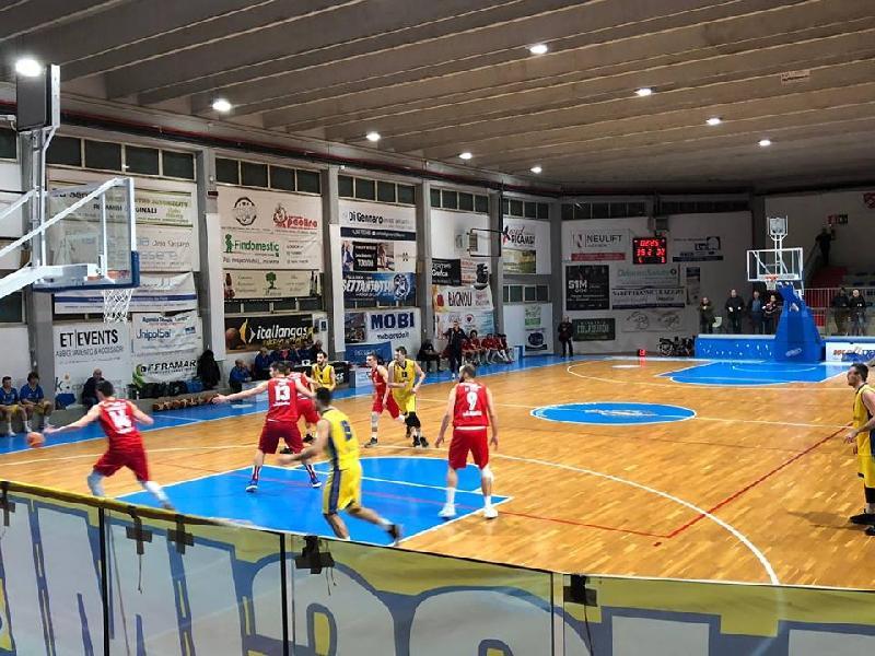 https://www.basketmarche.it/immagini_articoli/10-02-2019/silver-recap-ritorno-vasto-1717-tasp-mosciano-coda-colpi-chieti-campli-600.jpg