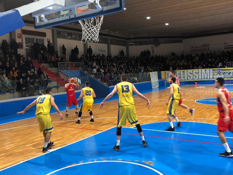 https://www.basketmarche.it/immagini_articoli/10-02-2019/vasto-basket-inarrestabile-espugnata-termoli-vittoria-consecutiva-600.jpg