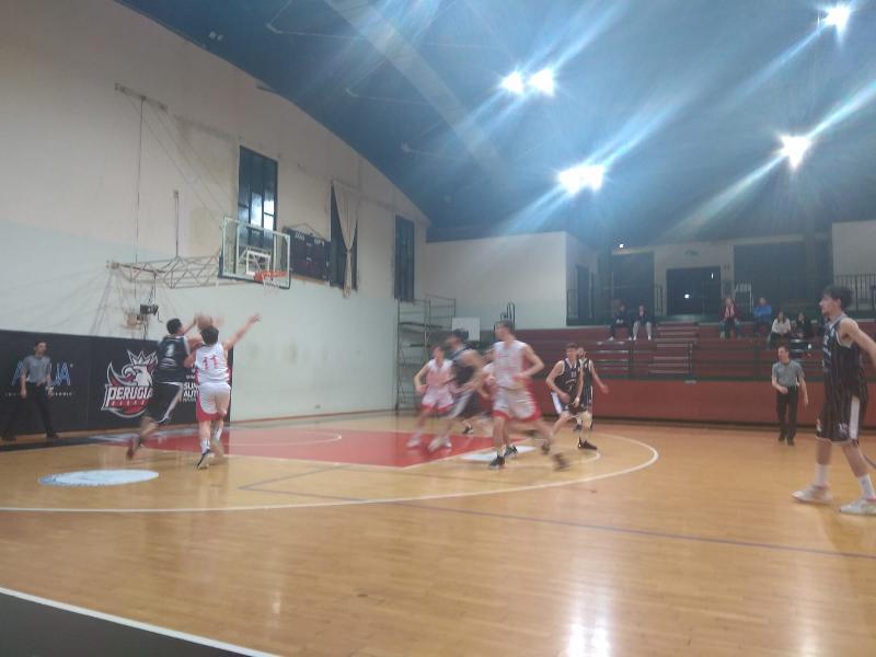 https://www.basketmarche.it/immagini_articoli/10-02-2020/atomika-spoleto-passa-campo-uisp-perugia-conquista-vittoria-fila-600.jpg